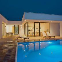 Schwimmbecken-beleuchtung